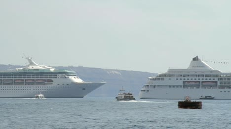 Cruise-Ships-Tender-Travelling-Across-Bay