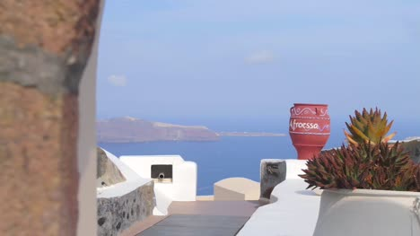 Reveal-Shot-of-View-From-Santorini-Hotel