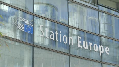 CU-Station-Europe-Sign-in-Brussels