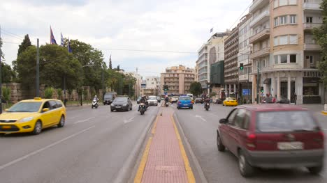 Busy-Street-in-Athens