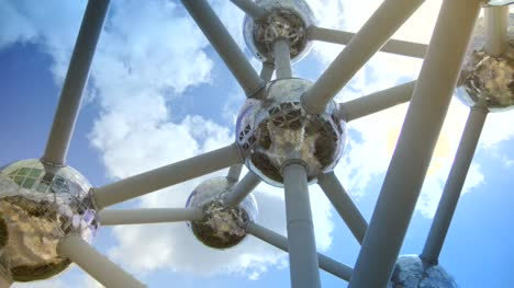 Looking-Up-Through-the-Atomium