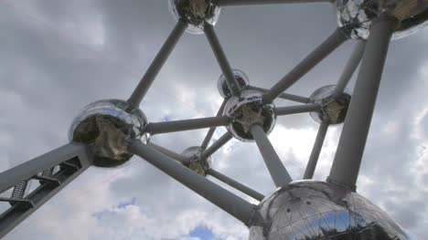 Clouds-Passing-Over-Atomium-Monument