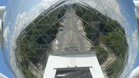 Atomium-Sphere-and-Staircase