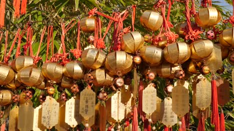 Golden-Chinese-Lanterns