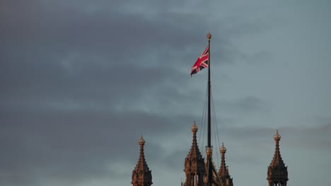 Union-Jack-on-Victoria-Tower