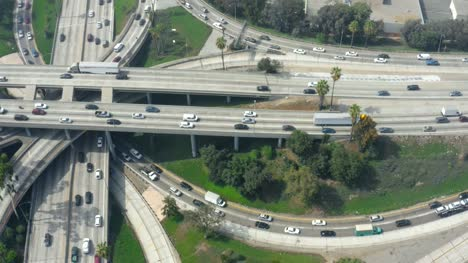 Traffic-on-Four-Level-Interchange-LA