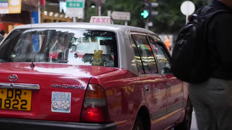 Red-Taxi-in-Hong-Kong