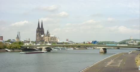 Bridges-Over-the-Rhine-in-Cologne-4K