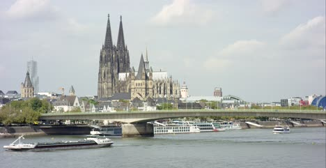 Cologne-Cathedral-on-the-Rhine-4K