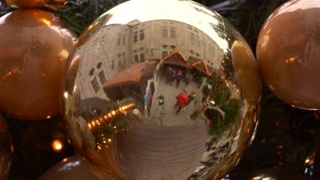 Christmas-Market-Bauble-Reflection