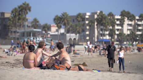 People-On-Venice-Beach-LA