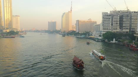 Boats-on-Chao-Phraya-River