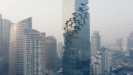 Panning-Round-King-Power-MahaNakhon