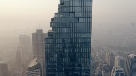 Flying-Round-King-Power-MahaNakhon