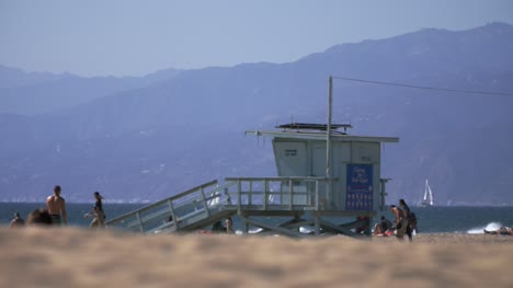 Lifeguard-Hut-On-Venice-Beach