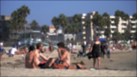Blurry-People-At-Venice-Beach