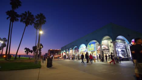 Venice-Beach-Colonnade-at-Dusk