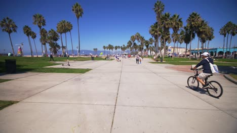 Cyclist-on-Venice-Beach-Boardwalk