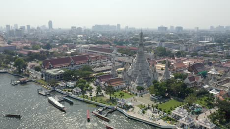 Buddhist-Temple-in-Bangkok