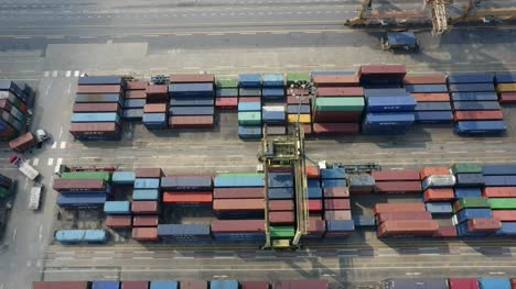 Machinery-Stacking-Shipping-Containers