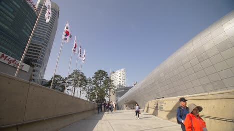 People-Walking-by-the-DDP-in-Seoul