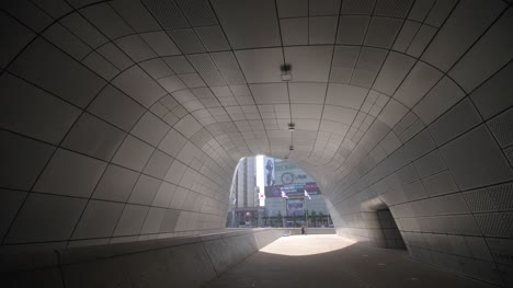 Tunnel-in-Dongdaemun-Design-Plaza