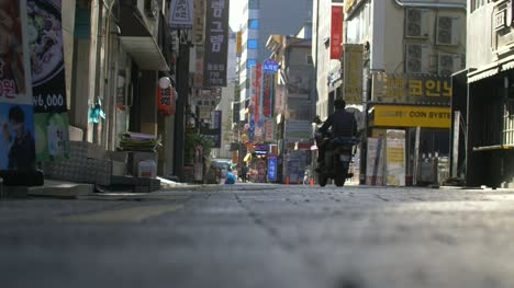 Man-on-a-Moped-in-Seoul