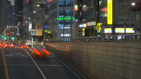 Traffic-in-Seoul-at-Night-Time-Lapse
