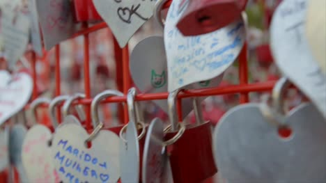 Love-Hearts-and-Locks-Handheld-Shot