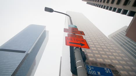 Lamp-Post-and-Street-Signs-LA