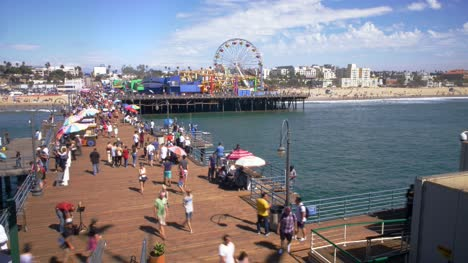 Pedestrians-Walking-on-Santa-Monica-Pier