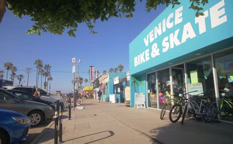 Bike-and-Skate-Shop-Near-Venice-Beach