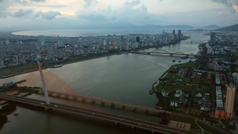 Bridge-Over-River-in-Da-Nang