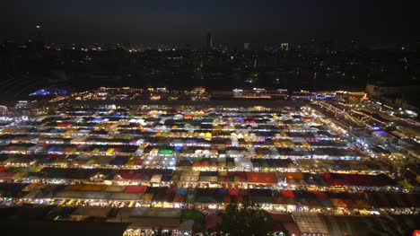 Wide-Shot-of-Ratchada-Market-at-Night