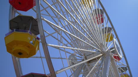 Colourful-Ferris-Wheel-Turning