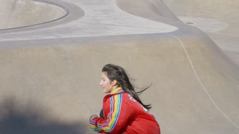 Woman-Skating-at-Venice-Beach-Skate-Park