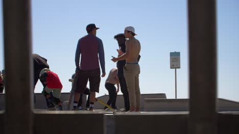 Skaters-Talking-in-LA