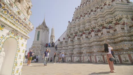 Woman-Photographing-Wat-Arun-Temple