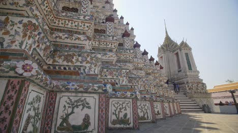 Decorated-Wall-of-Wat-Arun-Temple