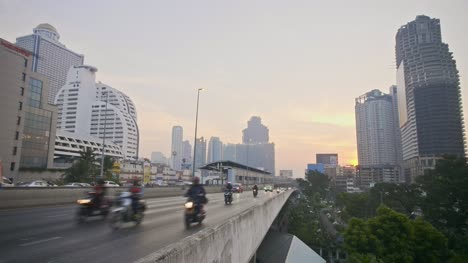 Traffic-on-Taksin-Bridge