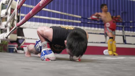 Muay-Thai-Boxer-Doing-Push-Ups