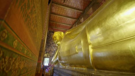The-Reclining-Buddha-Wat-Pho-Temple-01