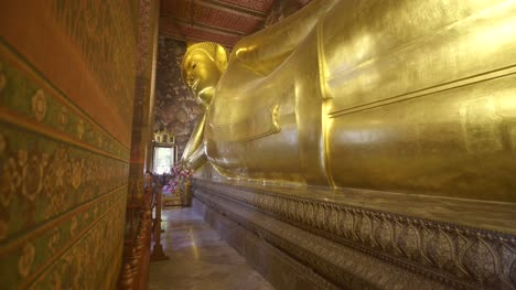 The-Reclining-Buddha-Wat-Pho-Temple-02