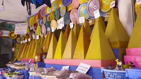Ceramics-and-Spices-in-Morocco-01