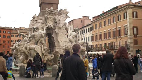 People-Walking-Around-Piazza-Navona-Fountain