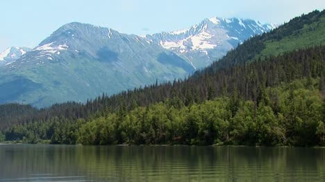 Alaskan-Mountain-and-Forest-on-a-Lake