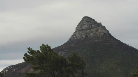 Cloudy-Day-Over-Lions-Head