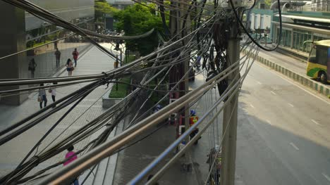 Electric-Wiring-Above-Bangkok-Street