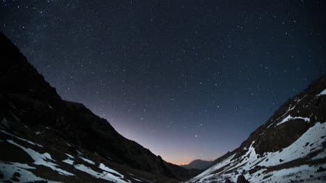 Stars-in-Mountain-Valley-Timelapse