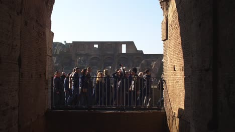 Tour-Guide-At-Colosseum
